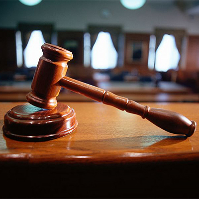 Hamer in de rechtbank