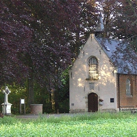 Kapel en kruis in Eksaarde